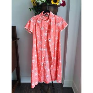 VINTAGE COTTON FLORAL NIGHTGOWN / ROBE